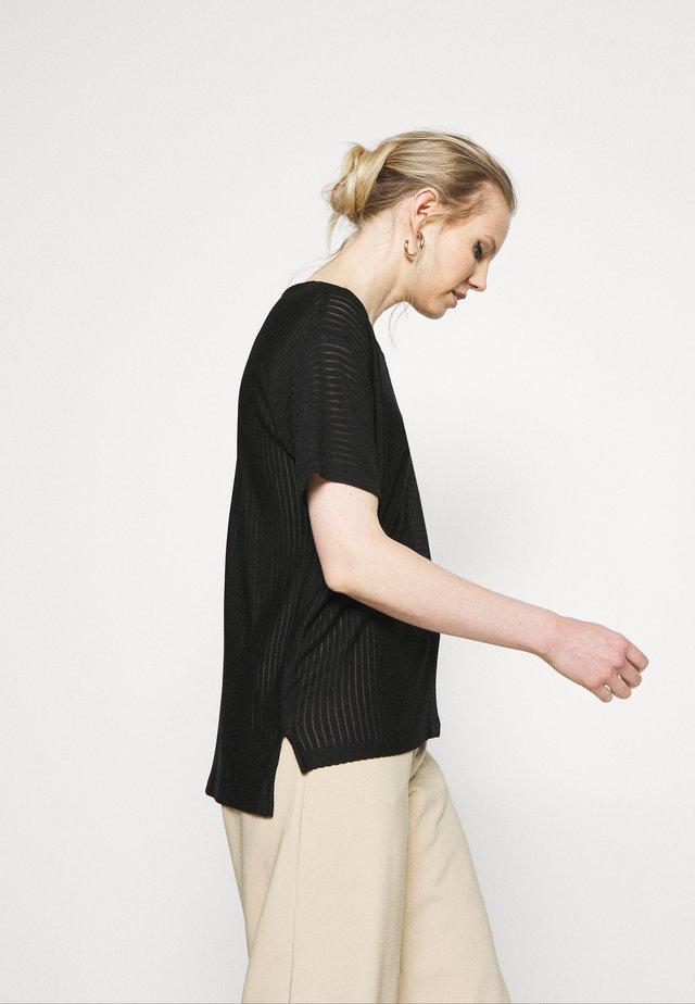 KEMI - Print T-shirt - black
