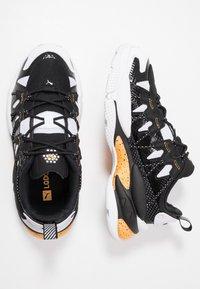 Puma - LQD CELL OMEGA DENSITY - Trainers - white/black - 1