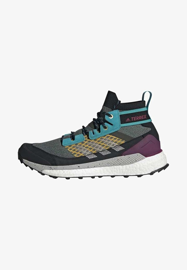 FREE HIKER BOOST PRIMEKNIT HIKING SHOES - Neutral running shoes - green