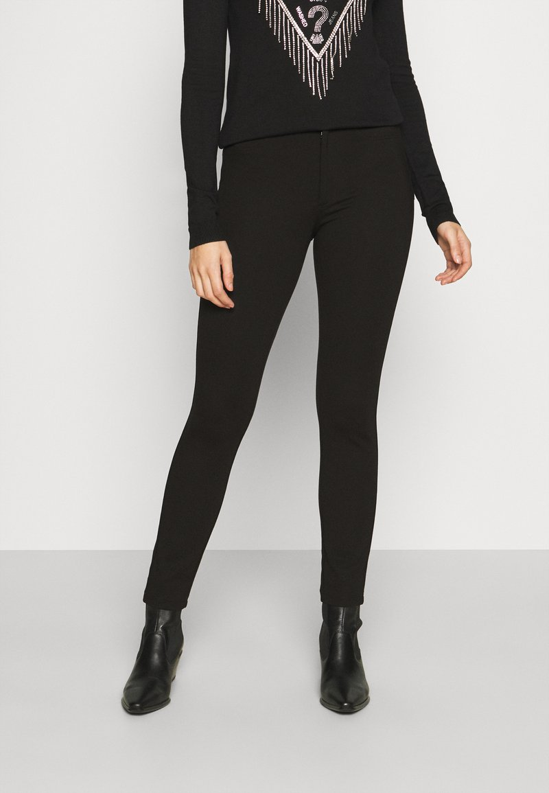 Guess - SHAPE UP - Pantaloni - jet black a996