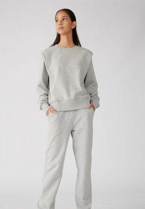 RUNDHALSAUSSCHNITT - Sweatshirts - grey melange