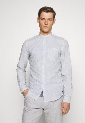 STRIPED STAND UP COLLAR - Skjorta - white/navy