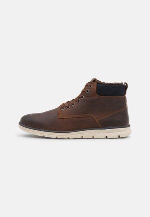 JFWTUBAR WARM - Veterboots - brown