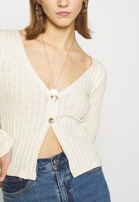 Nly by Nelly - BUTTON DOWN CARDIGAN - Cardigan - creme - 5
