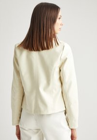 DeFacto - Giacca in similpelle - beige - 1