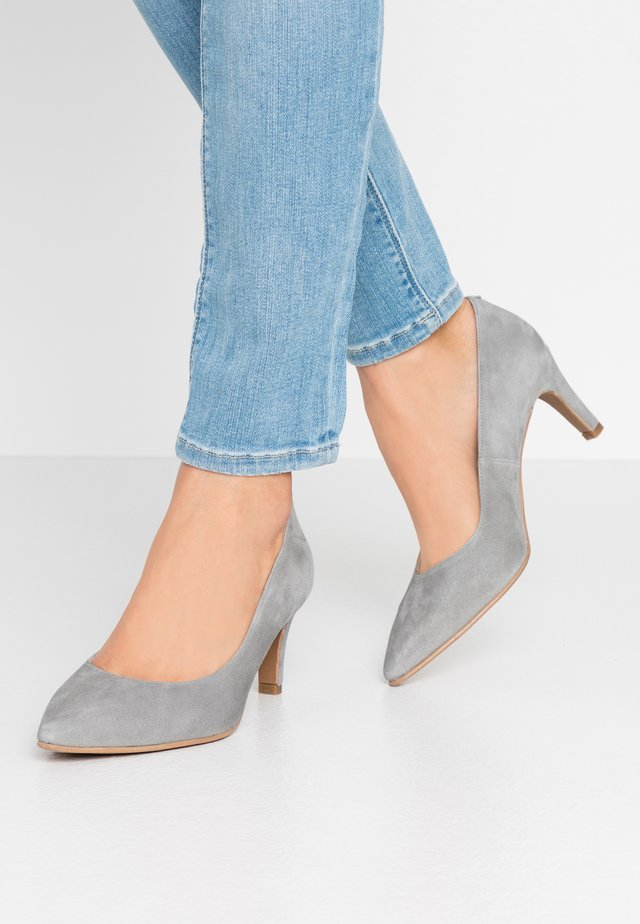 WIDE FIT BENETT - Klassiske pumps - siberia