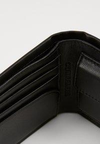 Calvin Klein Jeans - BILLFOLD COIN - Wallet - black - 4