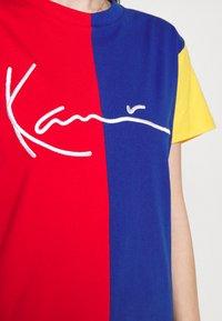 Karl Kani - SIGNATURE BLOCK TEE - Print T-shirt - multicolor - 5