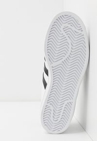 adidas Originals - SUPERSTAR - Baskets basses - footwear white/core black - 5