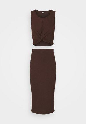KNOT RIB SET - Top - brown