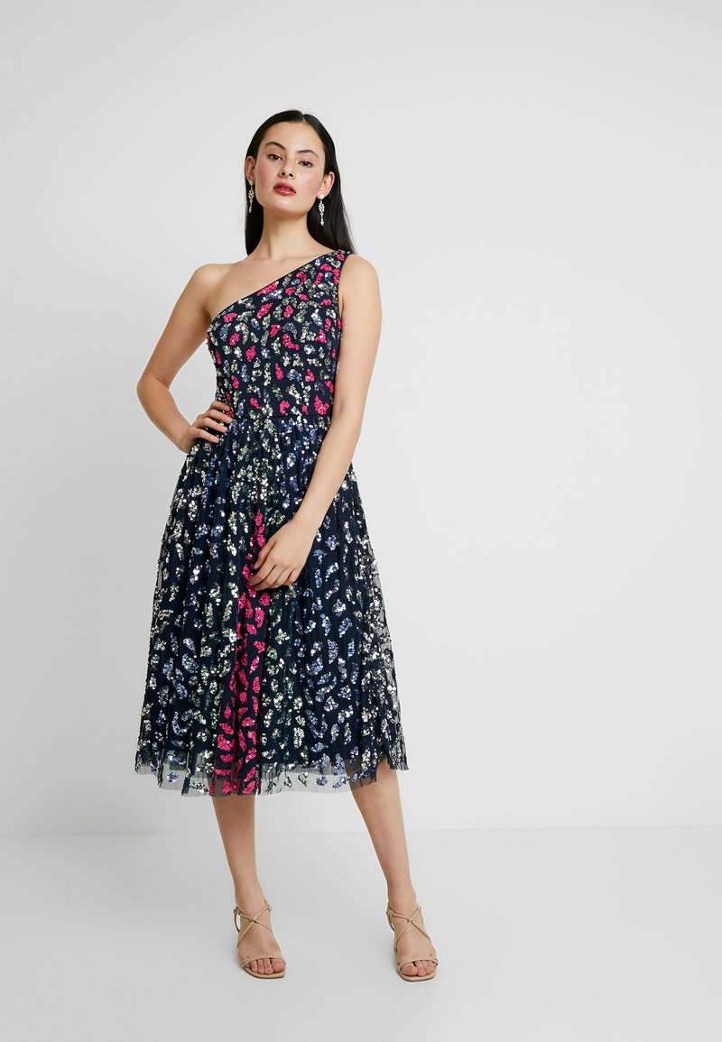 Maya Deluxe - EMBELLISHED ONE SHOULDER MIDI DRESS - Koktejlové šaty / šaty na párty - multi