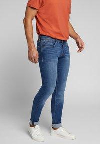 Esprit - Jeans slim fit - blue medium washed - 4
