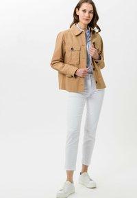 BRAX - Summer jacket - sand - 0