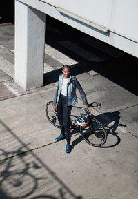 Gore Wear - C5 DAMEN GORE-TEX ACTIVE TRAIL HOSE - Outdoor trousers - black - 1