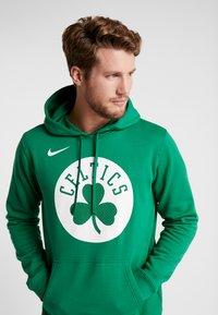 Nike Performance - NBA BOSTON CELTICS LOGO HOODIE - Jersey con capucha - clover - 3