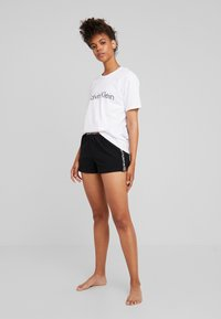Calvin Klein Underwear - BOLD LOUNGE SLEEP SHORT - Nattøj bukser - black - 1