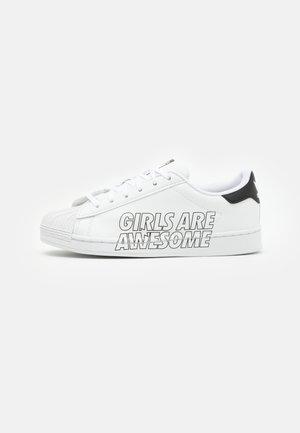 SUPERSTAR UNISEX - Sneakers laag - footwear white/core black
