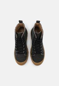 NAE Vegan Shoes - NOAH VEGAN - Nauhalliset nilkkurit - black - 5