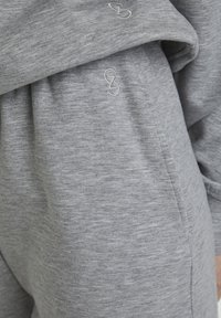 Gestuz - Tracksuit bottoms - light grey melange - 3