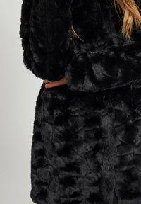 Vila - Winter coat - black - 4