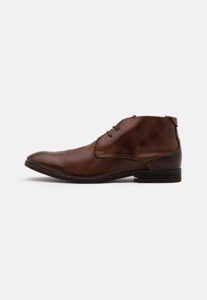 OSBOURNE - Šněrovací boty - brown