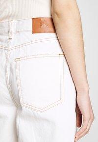BDG Urban Outfitters - MODERN BOYFRIEND JEAN - Kalhoty - milk white - 4