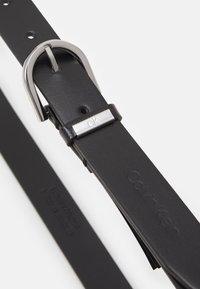 Calvin Klein - ROUND BELT - Pásek - black - 2