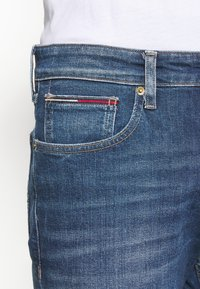 Tommy Jeans - RYAN - Jeans Tapered Fit - denim - 3