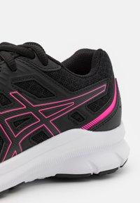 ASICS - JOLT 3 - Zapatillas de running neutras - black/hot pink - 5