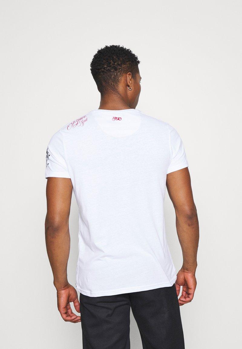 Brave Soul BRANDOX - T-Shirt print - optic white/weiß OBDjbW