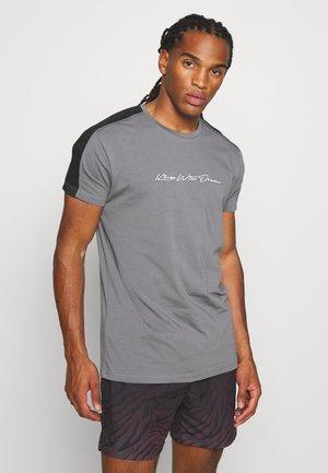 MLORTON - Print T-shirt - charcoal
