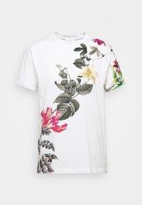 Desigual - YAIZA - Print T-shirt - blanco - 3