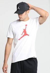 Jordan - SNAPBACK - Lippalakki - black/white - 1