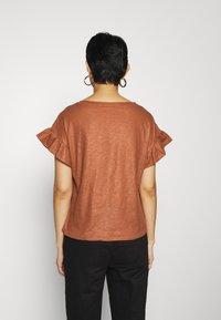 DAY Birger et Mikkelsen - DAY PERMANENT - T-shirt basic - nut - 2