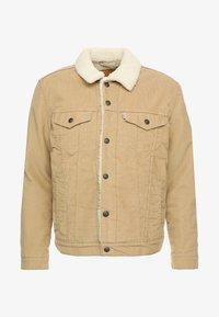 Levi's® - TYPE 3 SHERPA TRUCKER - Denim jacket - beige - 3