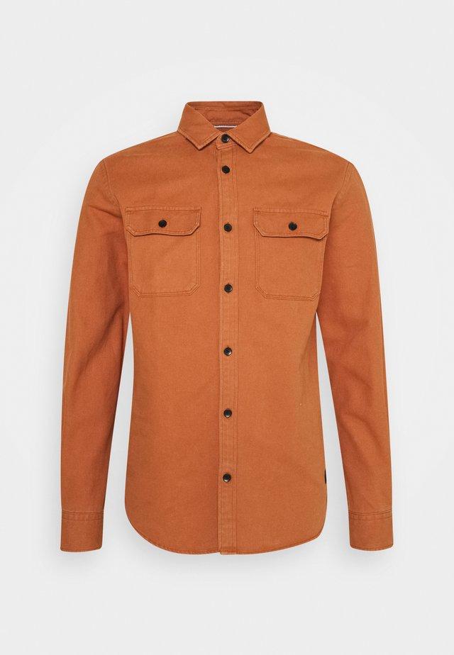 JCOCORNWALL WORKER - Koszula - amber brown
