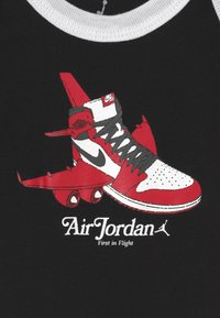 Jordan - FIRST IN FLIGHT UNISEX SET - Baby gifts - black - 2