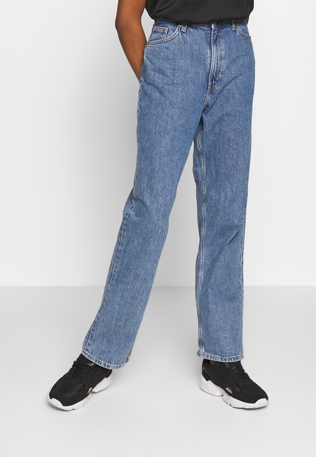 TAIKI STRAIGHT LEG - Straight leg jeans - medium blue thrift blue