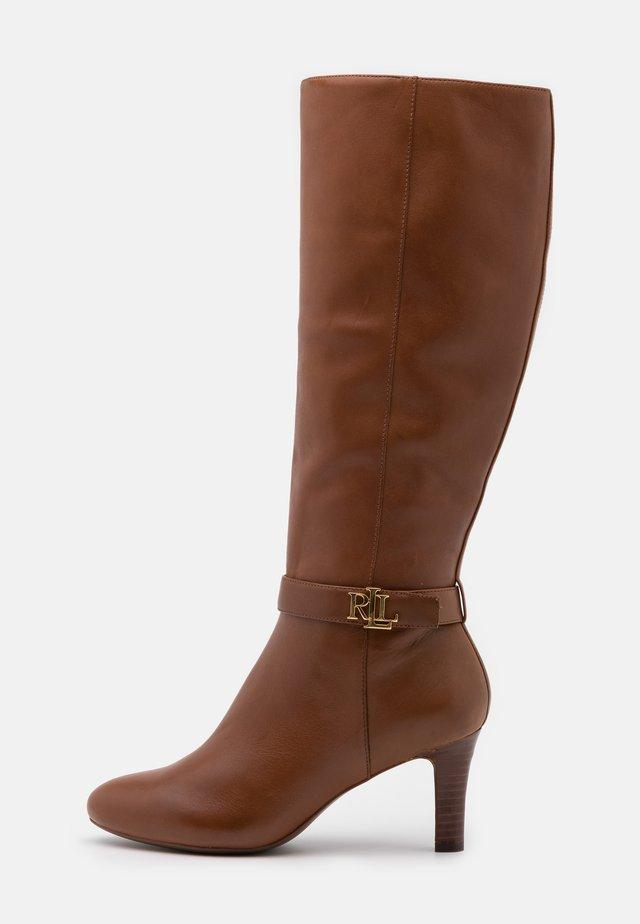 ARDINGTON - Boots - deep saddle tan