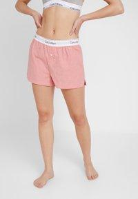 Calvin Klein Underwear - SLEEP SHORT - Pyjama bottoms - pomelo heather - 0