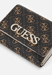 Guess - UPTOWN CHIC SMALL TRIFOLD - Wallet - brown - 5