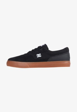 SWITCH - Skate shoes - black