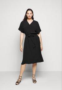 Selected Femme Curve - SLFENNA DRESS - Vapaa-ajan mekko - black - 2