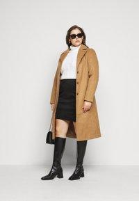 Vero Moda Curve - VMCAVA SKIRT - Mini skirt - black - 1