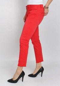 Buena Vista - Slim fit jeans - tomato - 3
