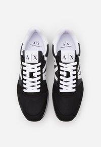 Armani Exchange - AX RETRO RUNNER - Tenisky - black/white - 3