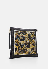 Versace Jeans Couture - SHOULDER FLATBANDANA BAG - Torba na zakupy - black/yellow - 2