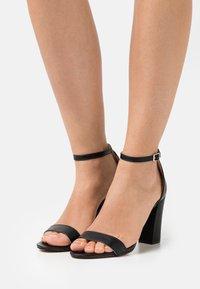 Madden Girl - BEELLA - Højhælede sandaletter / Højhælede sandaler - black paris - 0