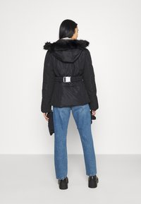 Missguided - SKI JACKET WITH MITTENS AND BUMBAG  - Winter jacket - black - 2