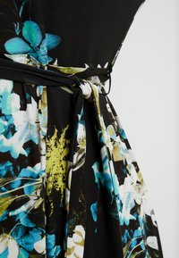 Evans - FLORAL FIT AND FLARE DRESS - Jersey dress - multi - 6